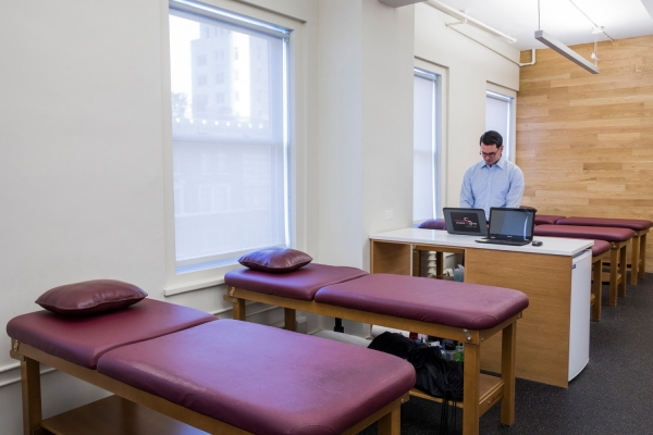 Physical Therapy Treatment Room in Midtown NYC | SPEAR Physical Therapy on West 57th Street Central Park South