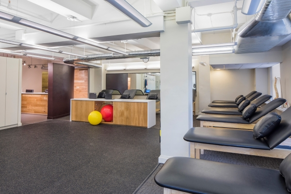 Treatment Room of SPEAR Physical Therapy NYC on 7th Avenue at Penn Plaza