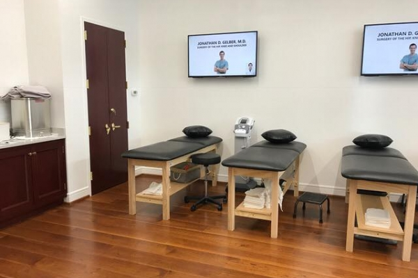 Treatment Room of SPEAR Physical Therapy NYC's Tribeca Park Place Facility