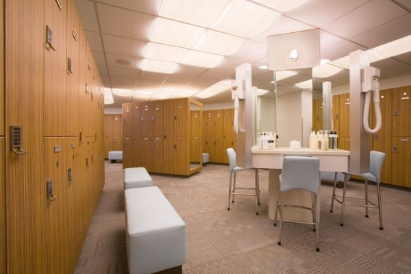 Long Island City Physical Therapy locker rooms