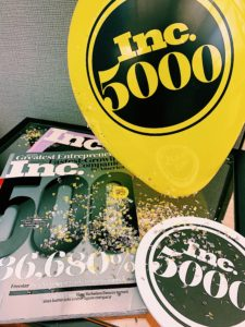 Ind 5000 balloon, magazine and confetti